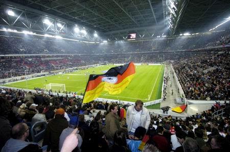 [注意]世界杯32强国家队队员名单和比赛球场介