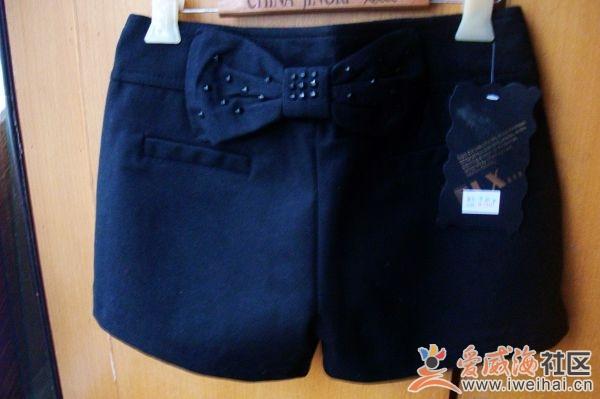 色尼短裤 M号26码  58元-毛衣 短裤 靴裤 卫衣 处理了